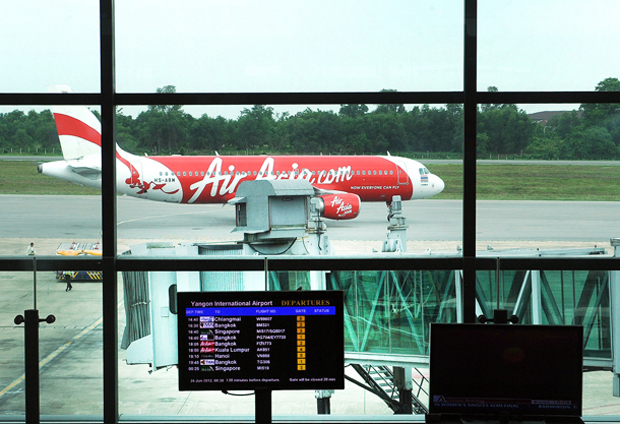 AIRLINES SCRAMBLE TO LAND IN MYANMAR, BUT VISAS STILL UP IN THE AIR
